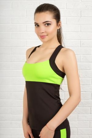 Топ для фитнеса черного с зеленым цвета 2322.67|интернет-магазин vvlen.com