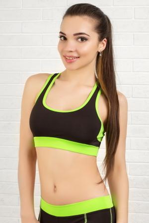 Топ для фитнеса черного с зеленым цвета 2316.67|интернет-магазин vvlen.com