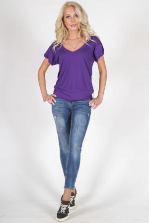 Женская футболка фиолетового цвета 790.17|интернет-магазин vvlen.com