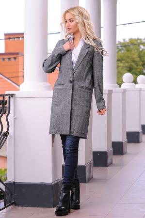 Жакет женский удлиненный темно-серого цвета 2418.29 интернет-магазин vvlen.com