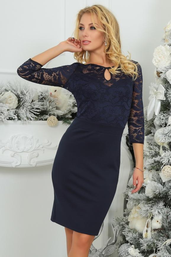 Коктейльное платье футляр темно-синего цвета 2445.47|интернет-магазин vvlen.com