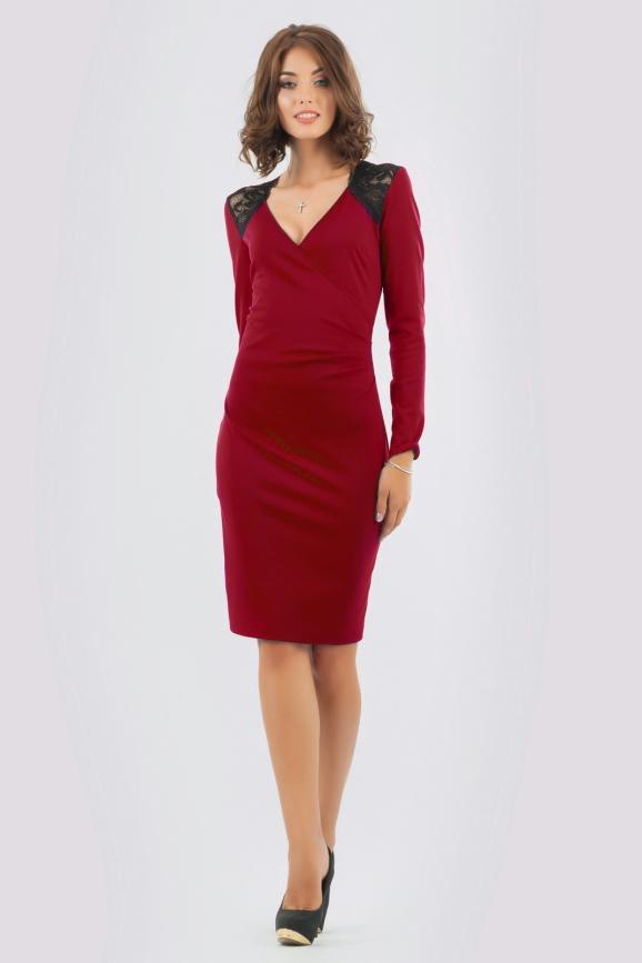 Коктейльное платье футляр вишневого цвета 406.47 интернет-магазин vvlen.com