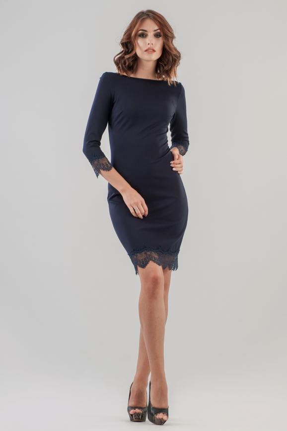 Коктейльное платье футляр темно-синего цвета 2633.47 интернет-магазин vvlen.com
