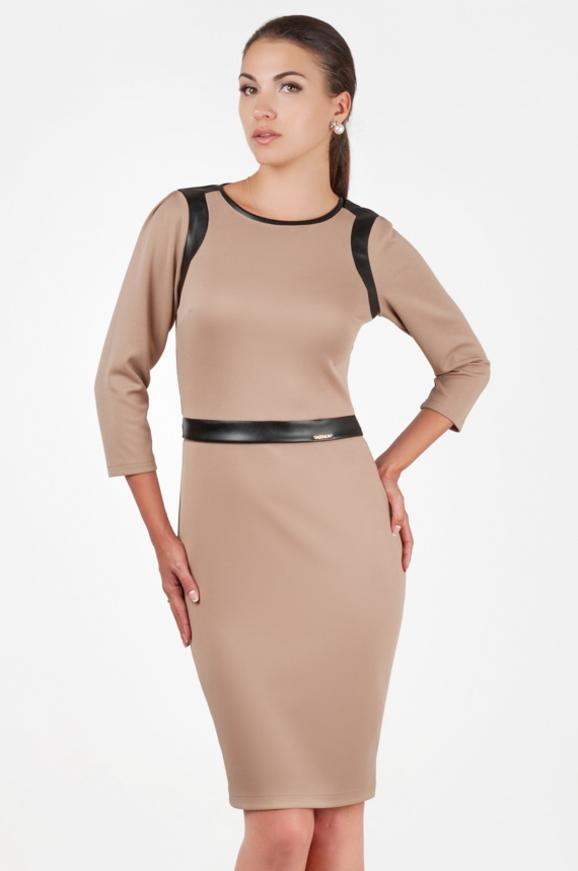 Офисное платье футляр бежевого цвета|интернет-магазин vvlen.com