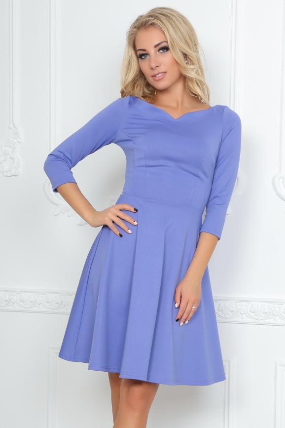 Повседневное платье с расклешённой юбкой сиреневого с черным цвета 2483.47 интернет-магазин vvlen.com
