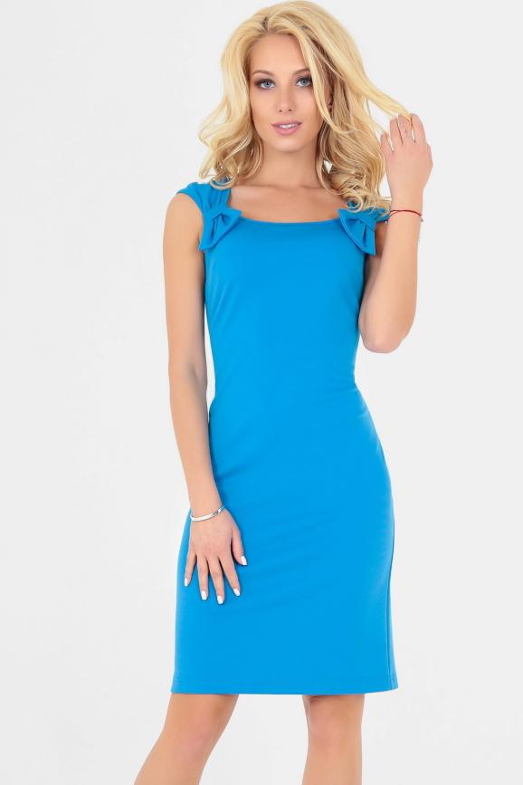 Повседневное платье футляр голубого с белым цвета 2511.47|интернет-магазин vvlen.com