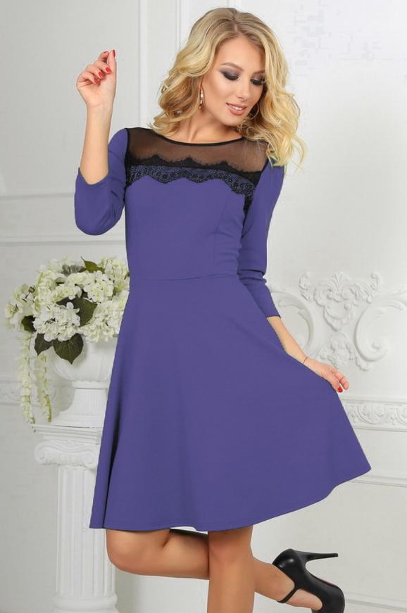 Коктейльное платье с расклешённой юбкой сиреневого с черным цвета 2482.47|интернет-магазин vvlen.com
